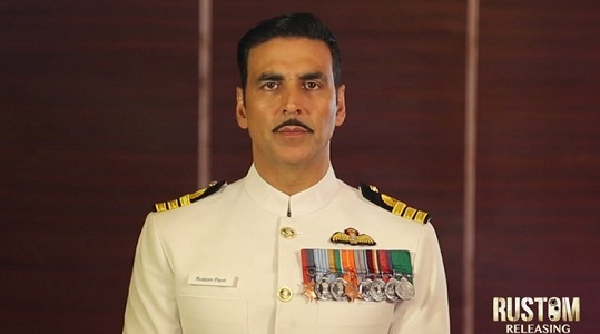 akshay kumar says money as important as medals
