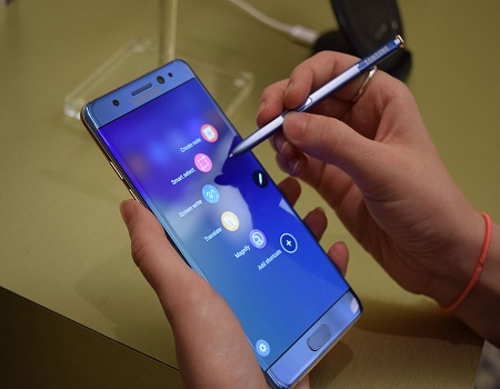 amsung-urges-customers-worldwide-to-stop-using-galaxy-note-7-smartphones