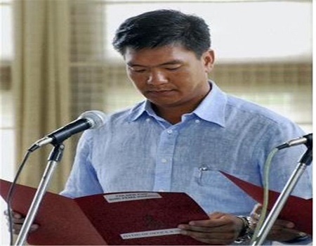 blow-to-congress-in-arunachal-43-mlas-joins-bjp-suported-ppa