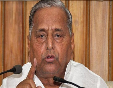 mulayam scolded party volenteers