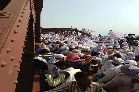 18 died in varanasi rajghat bridge