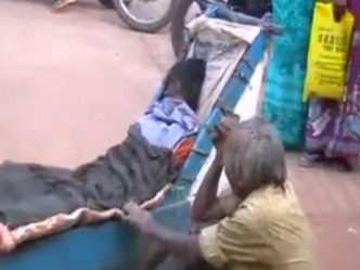 leprosy-patient-in-telangana-pushes-dead-wifes-body-in-cart-for-24-hrs-and-80-km