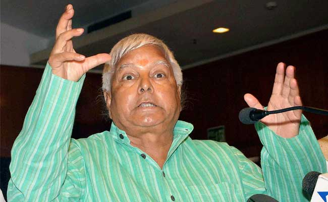 why-lalu-prasad-yadav-concerned-with-rebellion-of-akhilesh-yadav