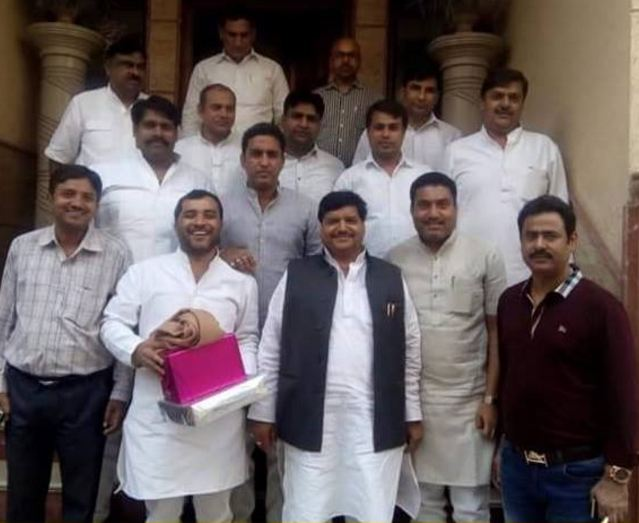 sp-leader-ashok-pradhan-joins-bjp-today-at-party-office-delhi