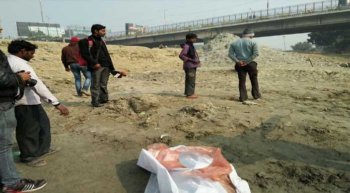 man-young-girl-found-dead-gomti-river-hasanganj-hazratganj-lucknow