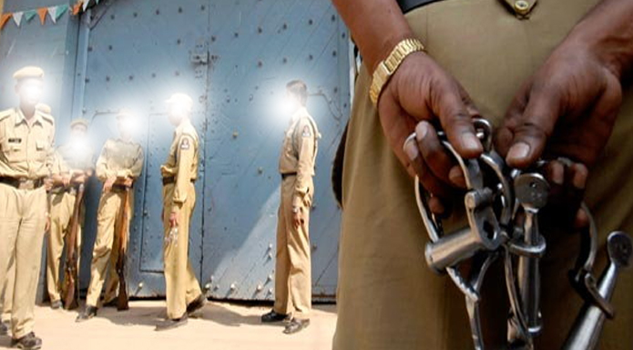 pilibhit-district-jail-captive-guard-found-dead-on-highway