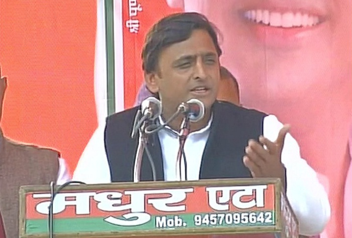 akhilesh-attacks-pm-modi-over-mann-ki-baat-program-at-etah