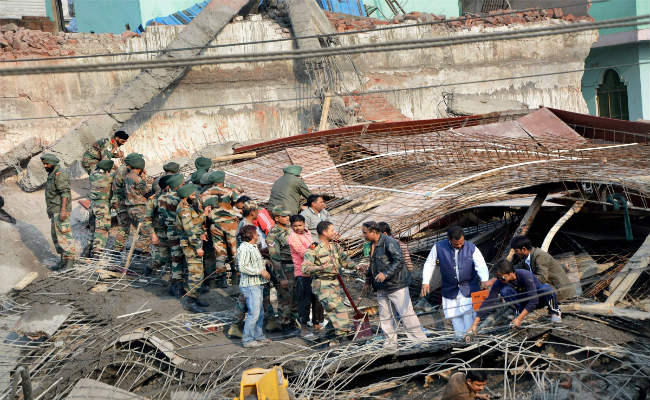 kanpur-building-collapsed-fir-against-sp-leader-5-dead-several-feared-trapped