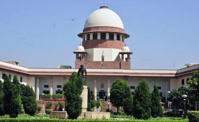 sc-issue-notice-to-calcutta-hc-judge-cs-karnan-and-directs-him-to-be-present-on-13-feb