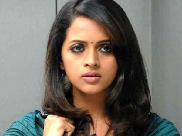 malayalam-actress-bhavana-allegedly-abducted-molested-in-moving-car
