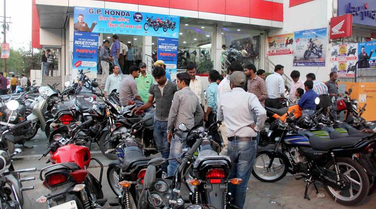 UP: Even before the showroom opens, it is crowded to buy bikes