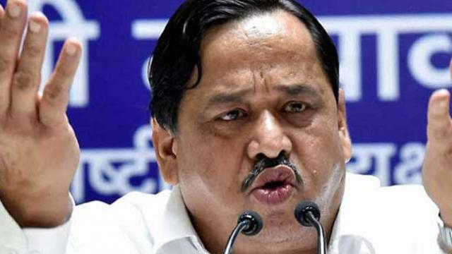 story-senior-bsp-leader-naseemuddin-siddiqui-and-his-son-afzal-expelled-from-party
