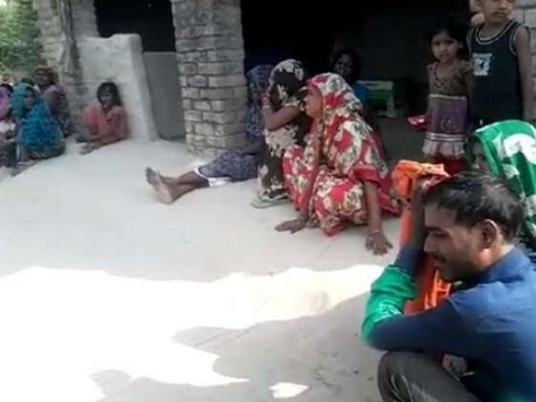 n Amethi murder of mother and son by brick of brick