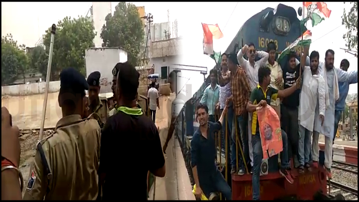 athicharge-on-congress-workers-protest-rajiv-gandhi-statue-damaged