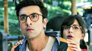 ranbir-kapoor-and-katrina-kaif-spend-time-with-elephant-on-the-sets-of-jagga-jasoos