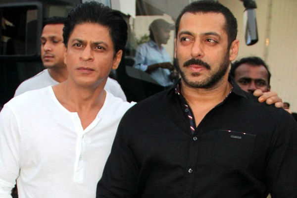Salman's special surprise given to Bhaijaan before starting shooting with Shah Rukh