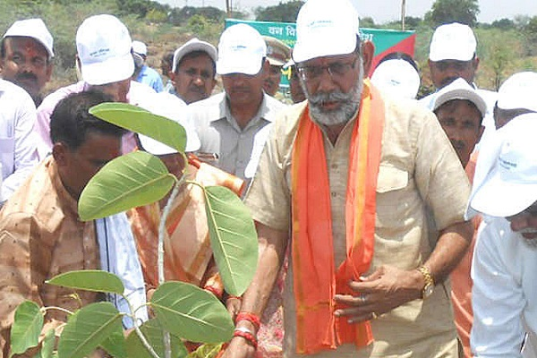 Carbon dioxide gives trees, it is beneficial: BJP Labor Minister Manoharlal Panth