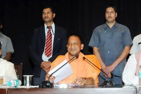 lucknow-yogi-government-step-back-on-proposal-of-separate-lane-for-mp-mlas-on-toll-plaza