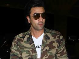 Ranbir Kapoors statement - earns money by trapping in controversy Karan Johar