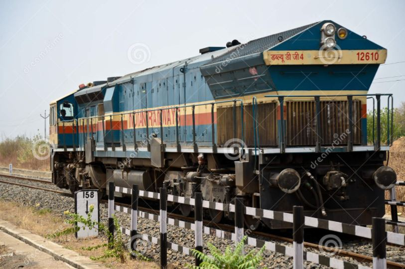 train engine running without loco pilot