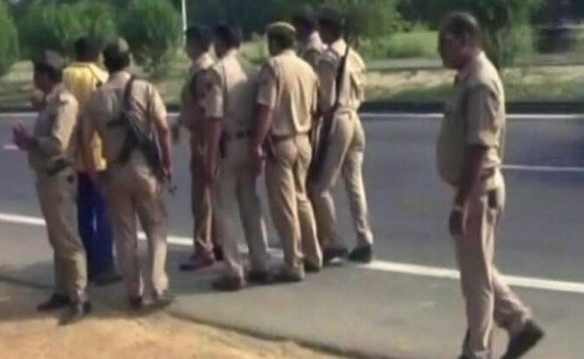 uttar-pradesh-tense-situation-kasganj-80-people-arrested