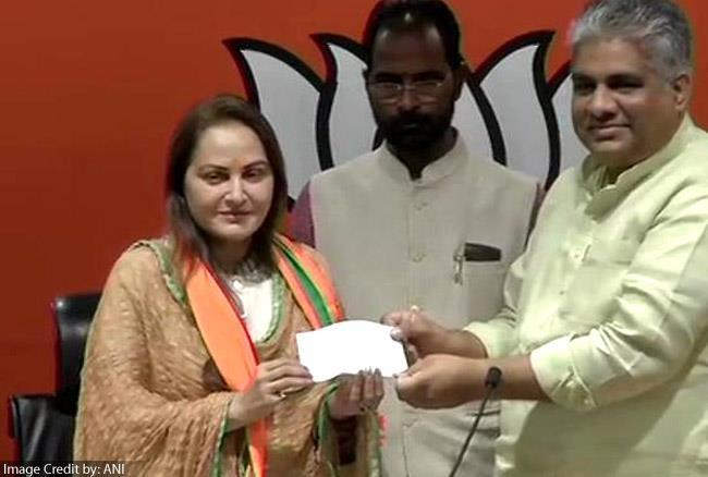 Jaya Prada gets involved in BJP, Azam Khan to challenge