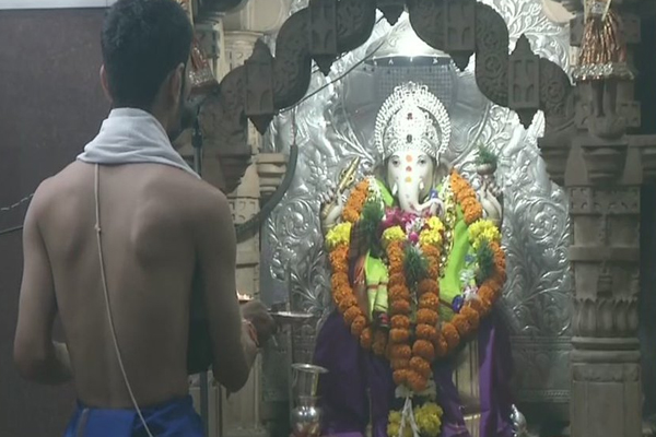 Ganesh Chaturthi splashes across the country