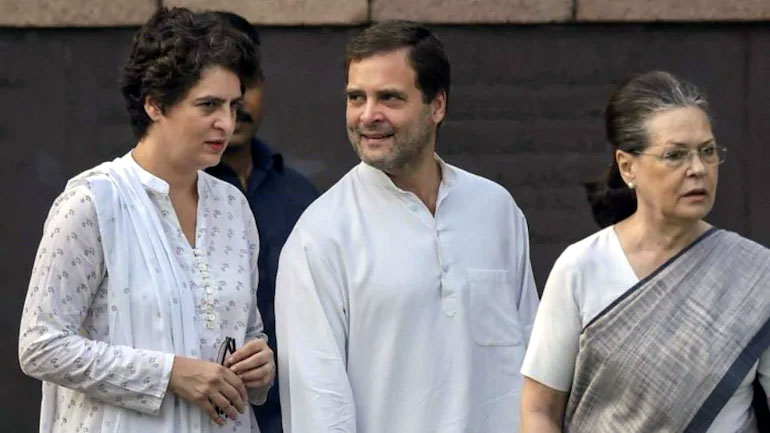 Priyanka came to drown Rahul, Sonia worried